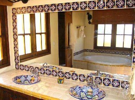 Ceramicos guanajuato azulejo y loza estilo talavera for Banos rusticos mexicanos