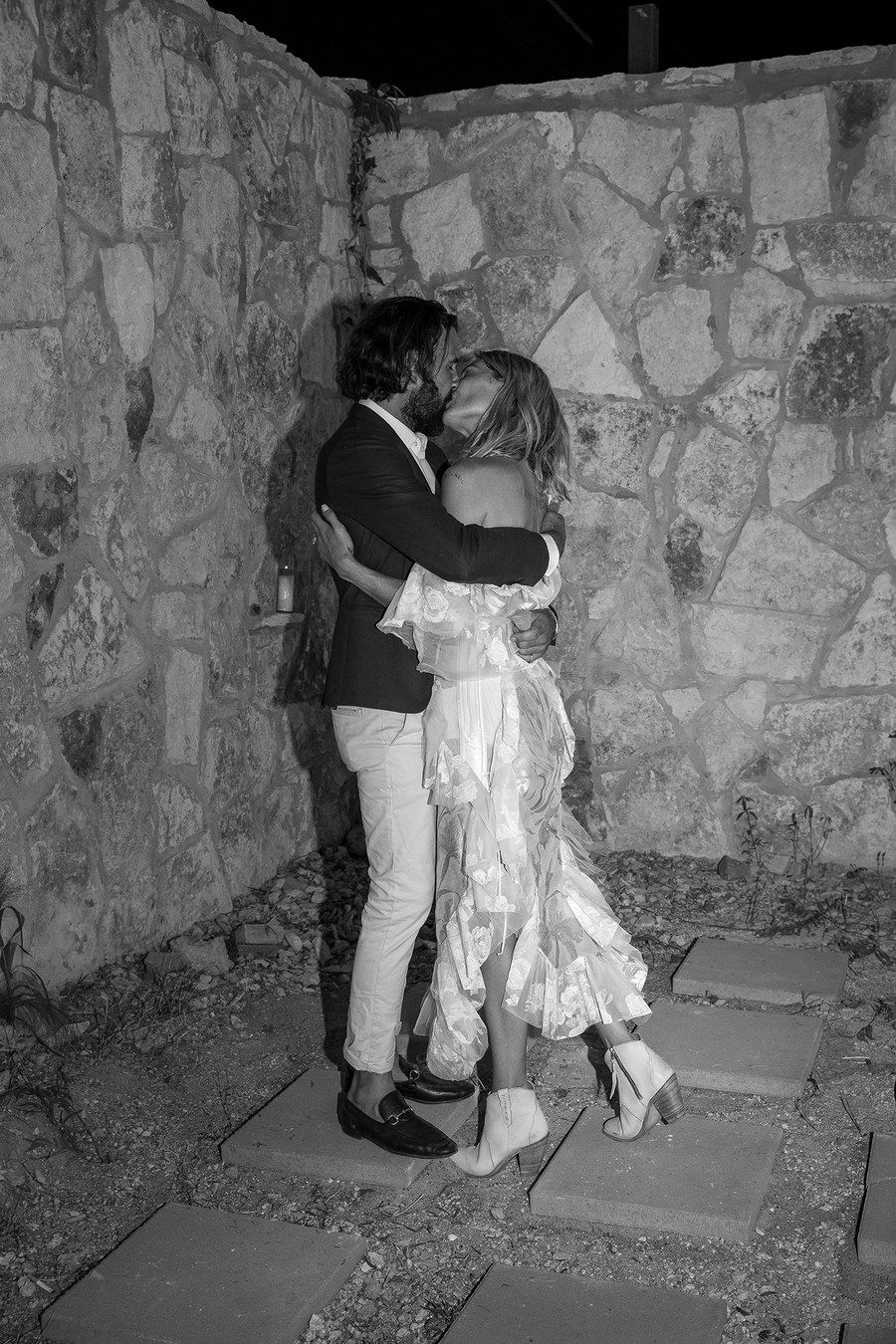 Erin Wasson And Barth Tassy Combined Their Texas And French Riviera Roots With A Ranch Tropez Wedding In Austin Erin Wasson Texas Weddings Wedding Modern
