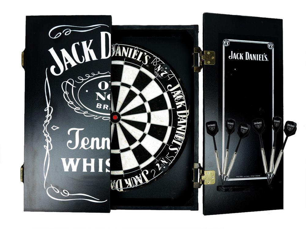 JACK DANIELS DARTBOARD CABINET SET With Darts   Whiskey Old NO. 7 Man Cave
