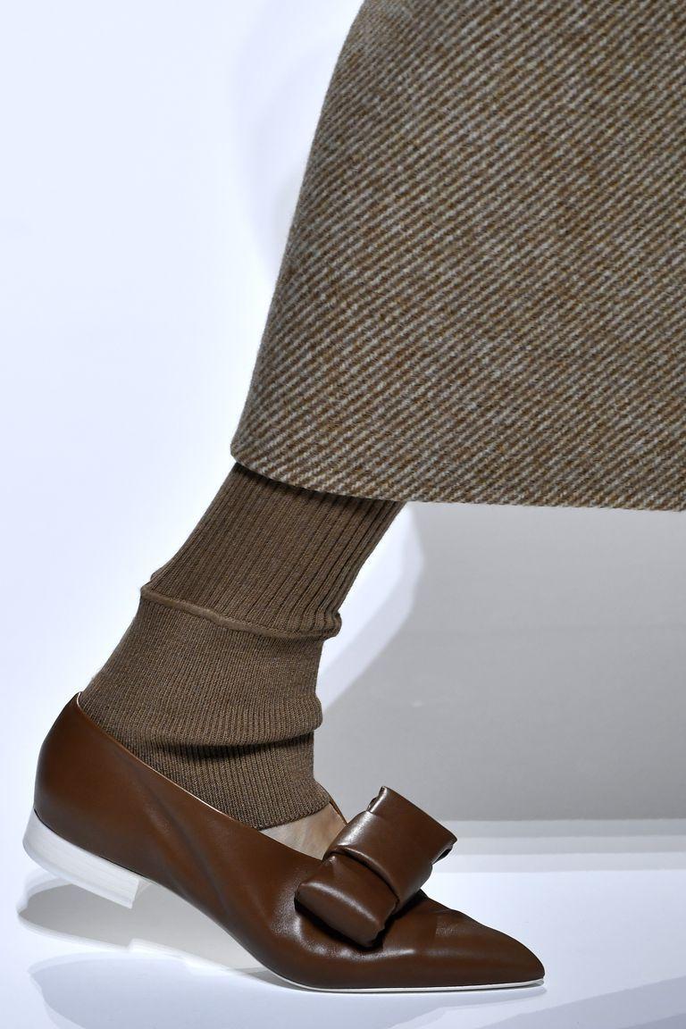 Scarpe moda inverno 2019  53 modelli dalle sfilate Autunno Inverno 2018 2019 2c2b2e07ed9
