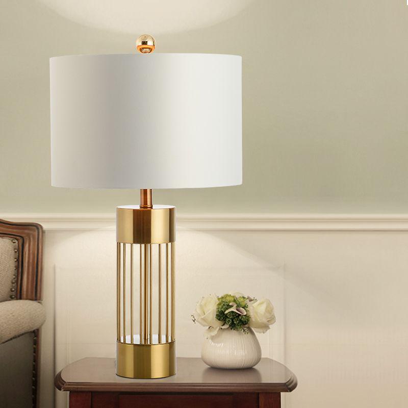 Lampe A Poser Moderne Or Blanc Corps En Fer Abat Jour En Tissu Pour Chambre In 2020 Gold Table Lamp Reading Lamp Bedroom Table Lamp #unique #living #room #lamps