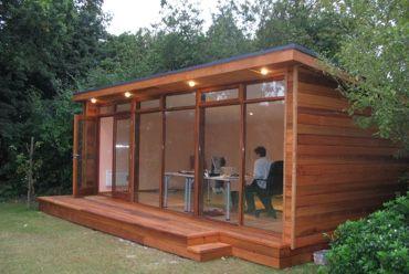 Bureau de jardin bureau de jardin pinterest bureau for Construction abri de jardin sans permis