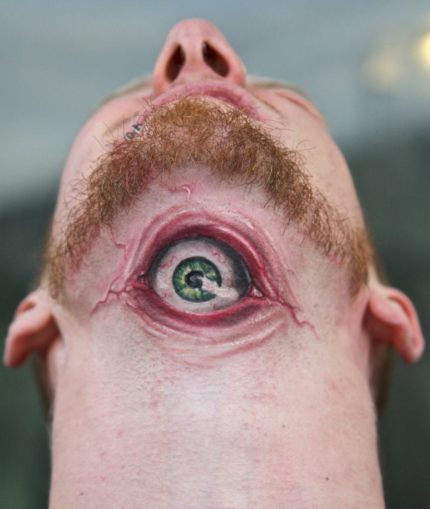 3d tattoos that will boggle your mind bizarbin - An Eyeball Tattoo The Eye Is The Window To The Soul What About Tattooing An Eye On A Part Of Body It S Absolutely Crazy Idea As It Creates Creepy Effect