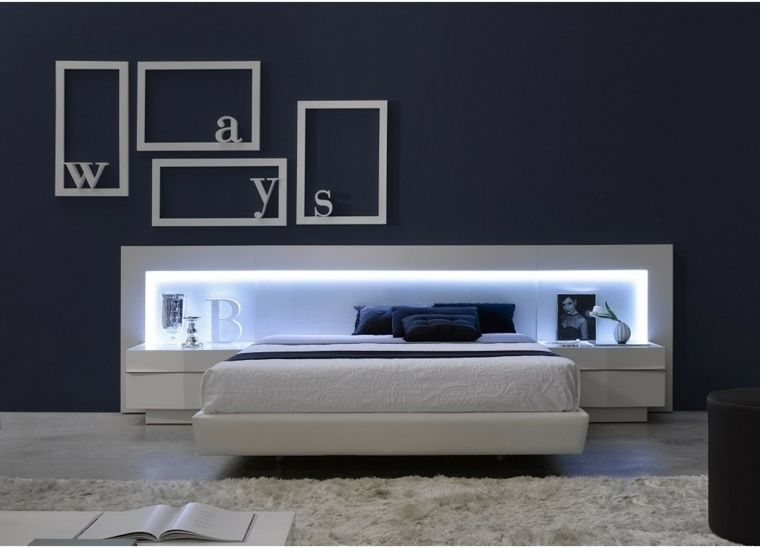 t te de lit lumineuse pour un clairage doux et po tique. Black Bedroom Furniture Sets. Home Design Ideas