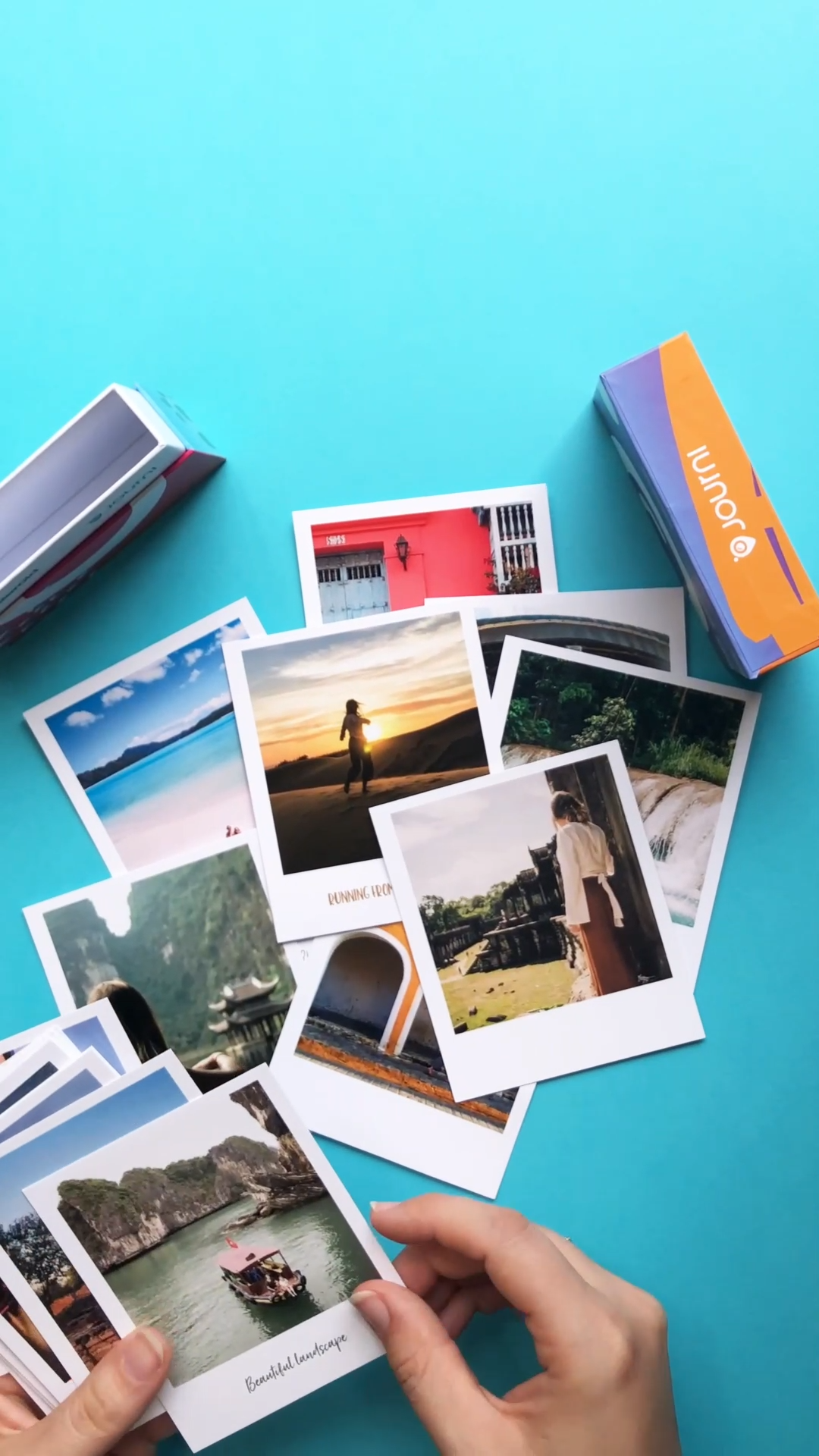 Capture your best shots as authentic Journi Polaroids and get the ultimate retro feeling. Order yours now and get 5 Polaroids for free with the code FIRSTBOOK 🔥