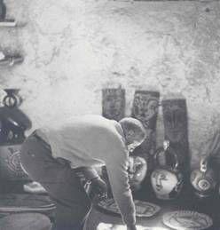 Picasso en el taller de Madoura, 1953