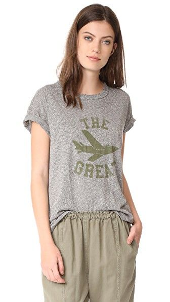 ¡Consigue este tipo de camiseta manga corta de THE GREAT. ahora! Haz clic para ver los detalles. Envíos gratis a toda España. THE GREAT. Boxy Crew Tee: This slouchy THE GREAT. tee is accented with faded logo lettering. Banded crew neckline. Dropped shoulder seams and short sleeves. Fabric: Heathered jersey. 50% polyester/38% cotton/12% rayon. Wash cold. Made in the USA. Measurements Length: 27.25in / 69cm, from shoulder Measurements from size 3 (camiseta manga corta, mangas cortas, manga…