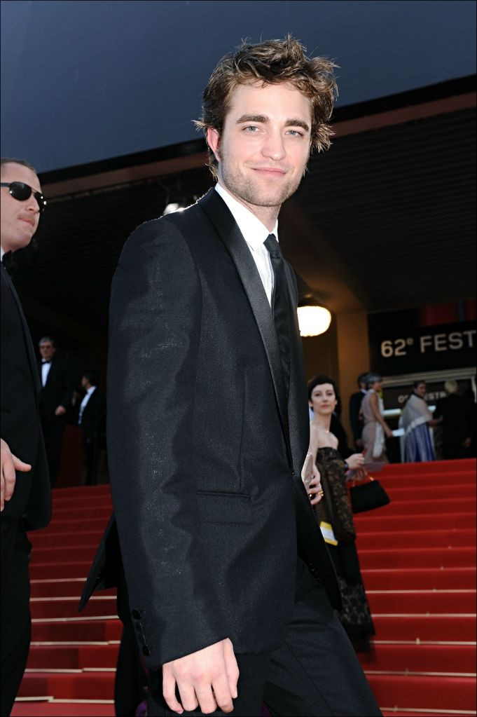 He looks so nice in a suit. Or without. Whatever.