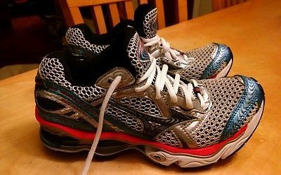 Mizuno Womens Wave Creation 12 Size 8 Excellent condition