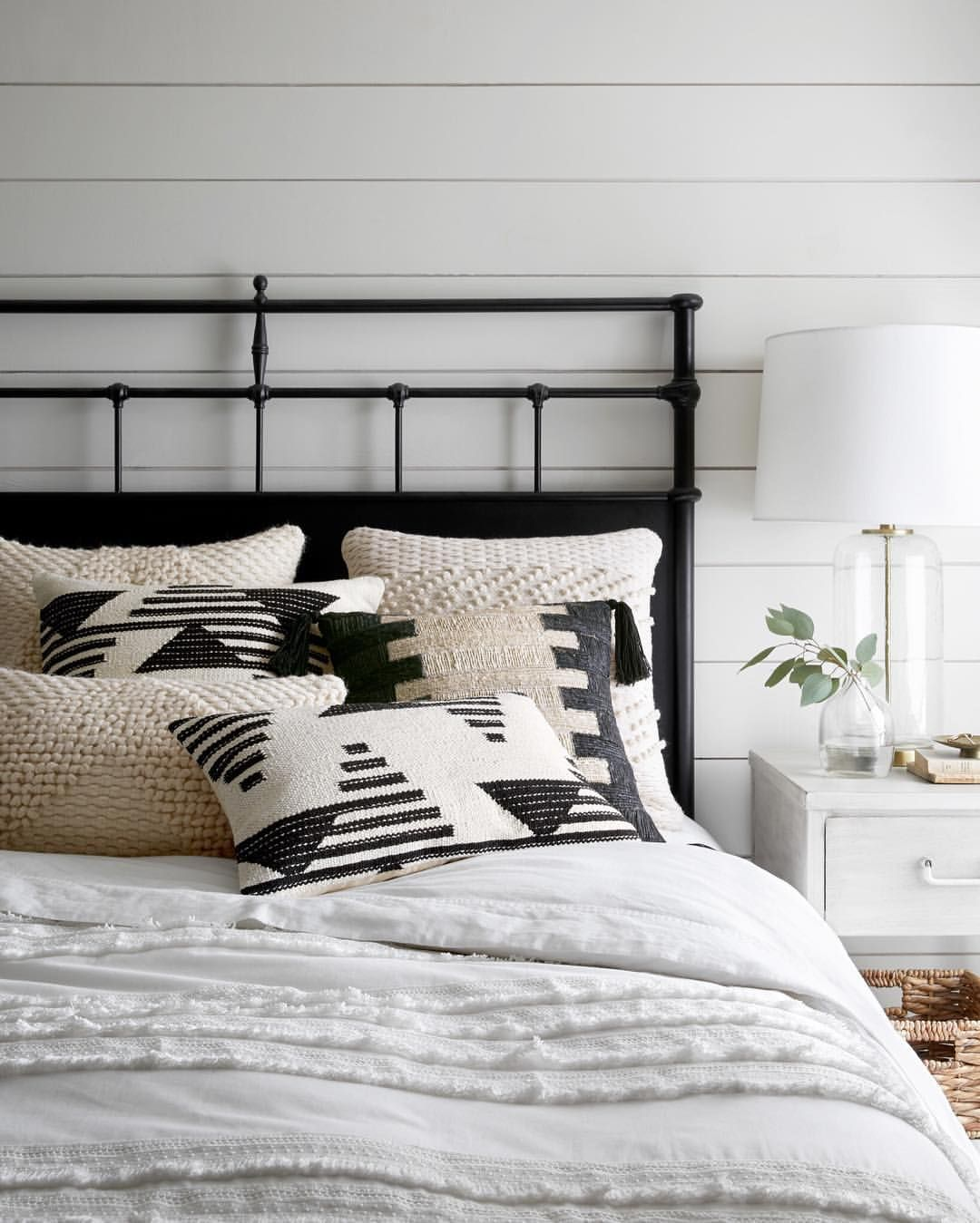 Enhancing Living Quality Small Bedroom Design Ideas: Loloi Rugs (@loloirugs) On