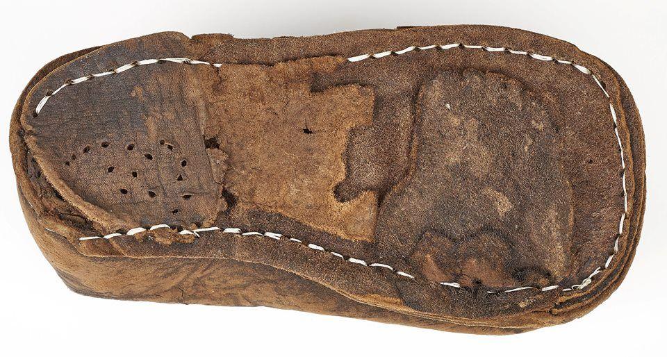 But Shoe Kazdy Krok Zostawia Slad Obuwie Historyczne Ze Zbiorow Muzeum Archeologicznego W Gdansku Exhibition Every Step Historical Shoes Footwear Stockings