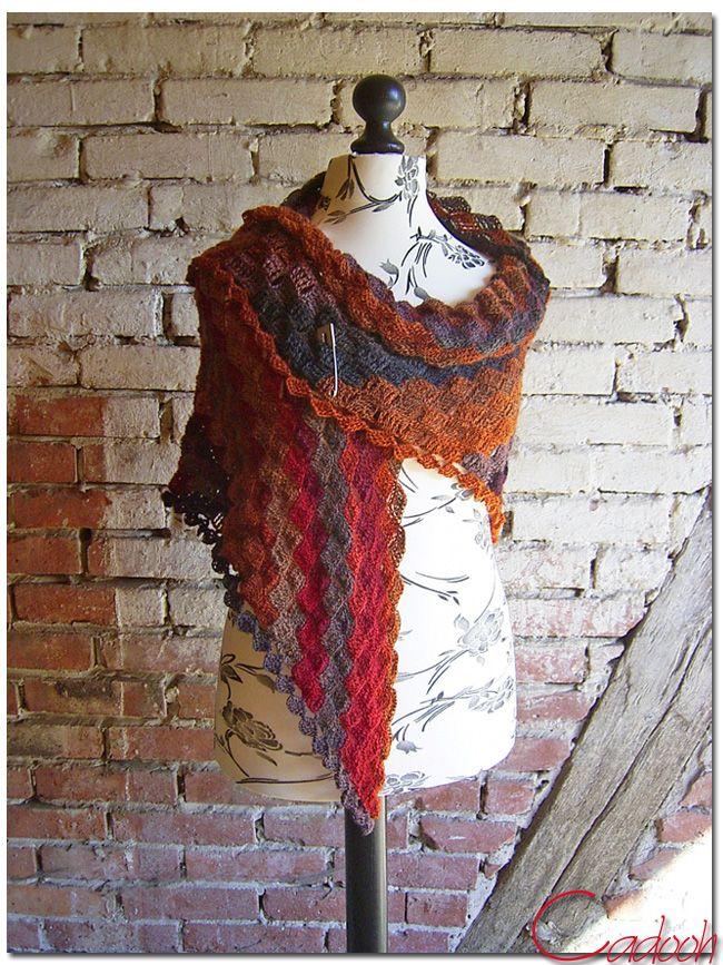Crocheted triangle lace shawl,C2C-method - Dreieckstuch \