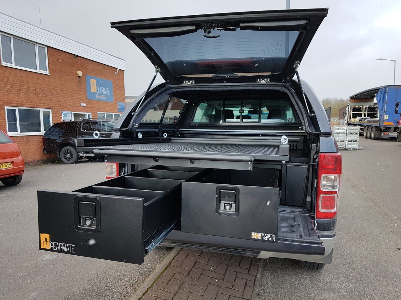 Ford Ranger fitted with 300MM Twin Drawer, gearslide and