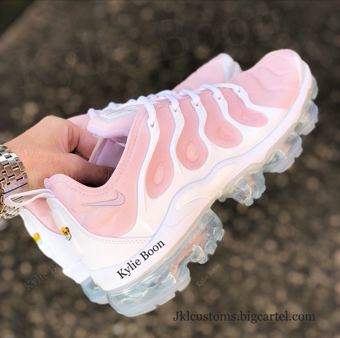 "6294111fbd4f6 ""Pinky"" Nike vapormax plus customs. Please allow up to 3 weeks to receive  your order. This can be changed at any time without prior notice due to  high ..."