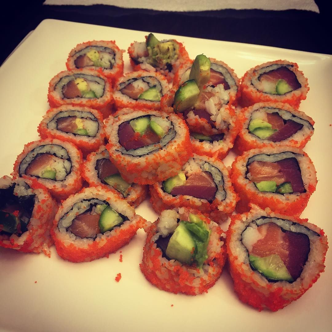 Dinner is awesome tonight. First time wifey made rolls with sushi in them.