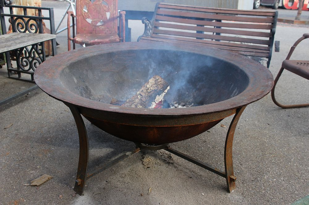Cast Iron Syrup Kettle Fire Pit