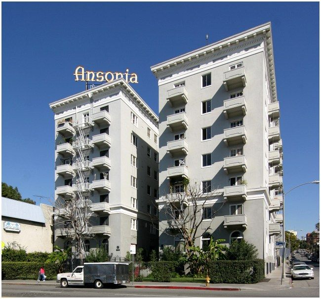 Los Angeles Apartments Near Airport: Pin On Bygone Los Angeles Cinque