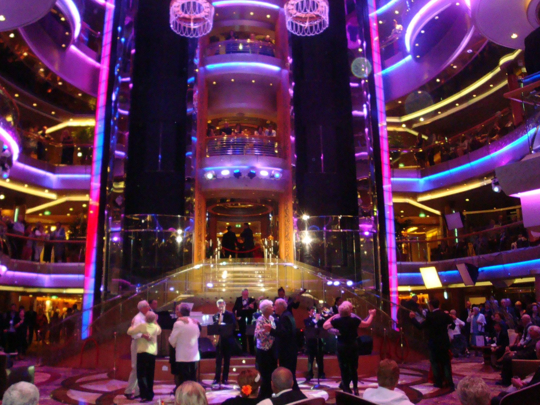 Rhapsody Of The Seas Centrum Loved Listening To The Jazz Bands - Jazz cruise ships