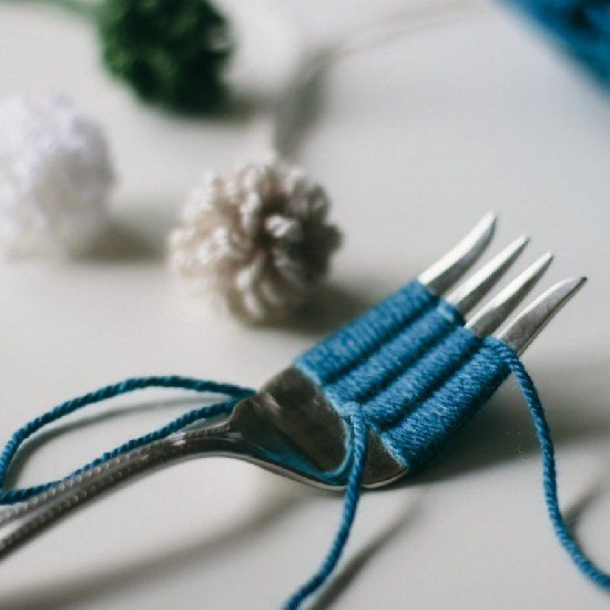 A Simple Tutorial For How To Make A Loopy Pom Pom With A Fork Pom