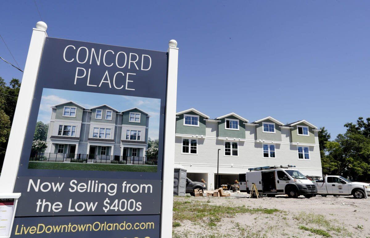 Mortgage Applications Crater 30 in Worst Fall Since