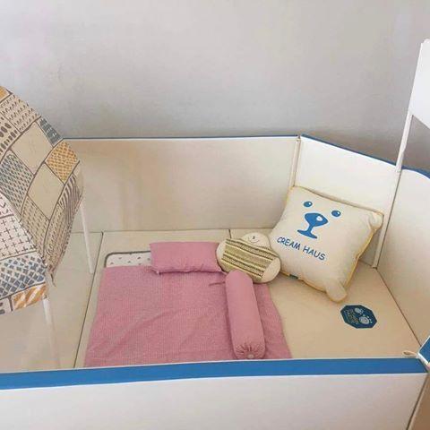 คุณแม่เตรียมของให้น้องก่อนคลอด ที่นอนสีหวาน น่ารักมากๆๆๆๆ #creamhaus #grandcastle #คอกกั้นเด็ก #playmat #เบาะรองกันกระแทก #เบาะครีมเฮาส์ #ปลอดสารพิษ #vocfree @creamhaus_th