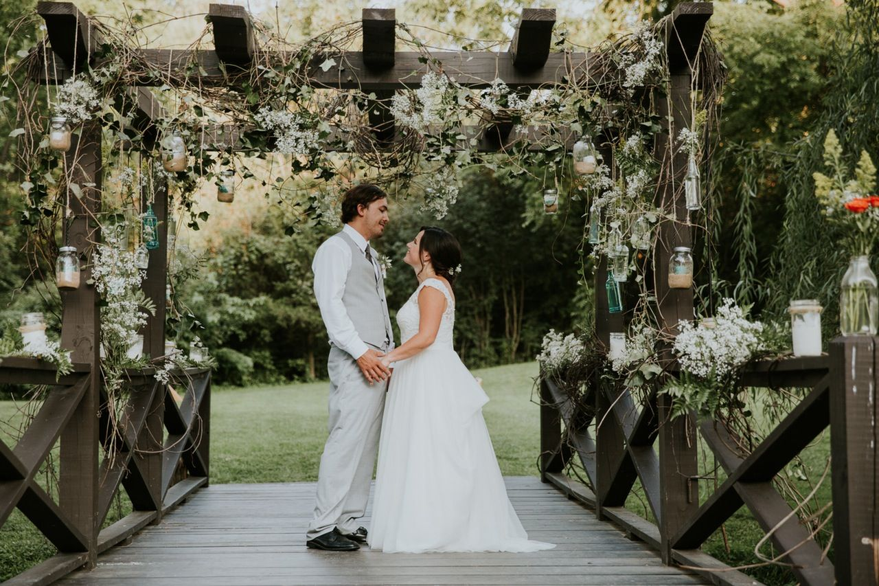 A Beautiful wedding at the Owls Hoot Barn in Upstate, NY