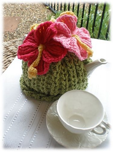 Hibiscus Tea Cosy pattern by Jenny King | Pinterest | Teteras ...