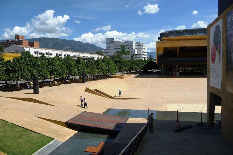 Parque De Los Deseos De Medellin