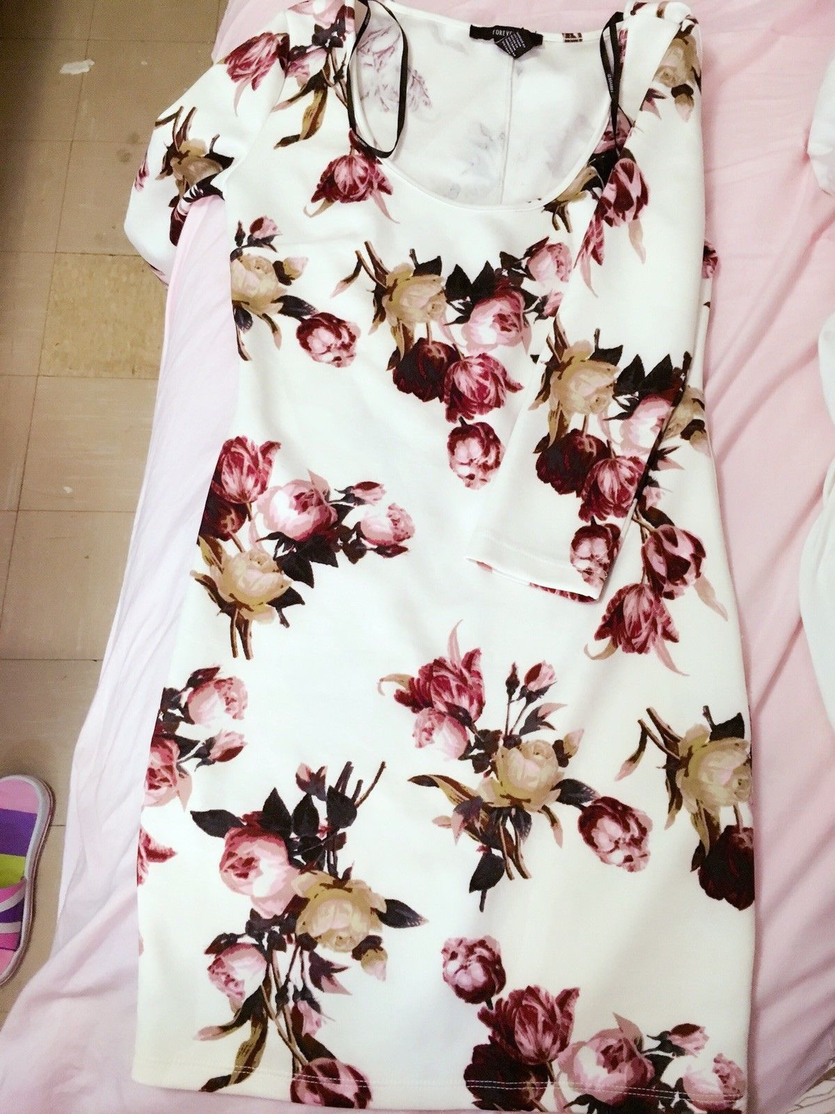Nice amazing forever long sleeve floral dress new with out tags