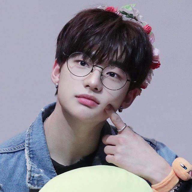 Image Result For Stray Kids Hyunjin Wallpaper Kids Icon Kids Mood Cute Korean Boys