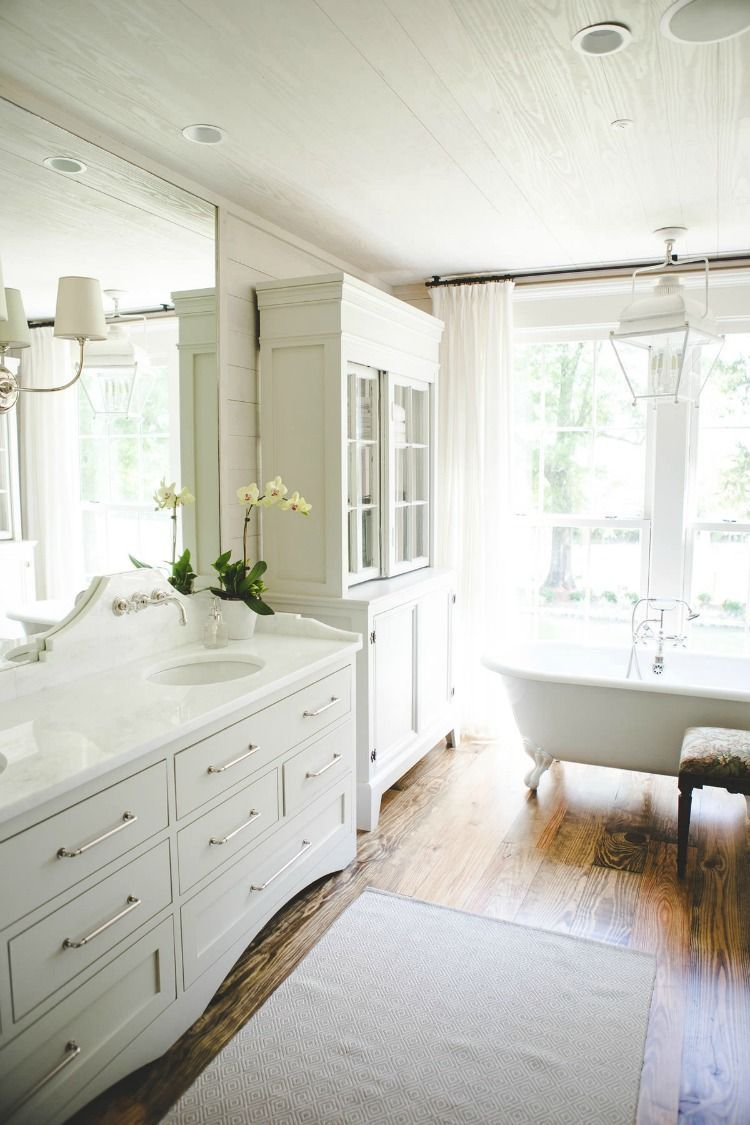 House Tour: Southern Farmhouse Style | Bathroom Accessories ...
