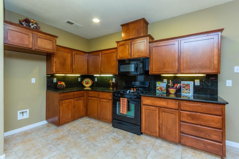 5333 W Harvard Avenue Fresno Ca 93722 Photos Videos More Home And Family Fresno Kitchen Cabinets