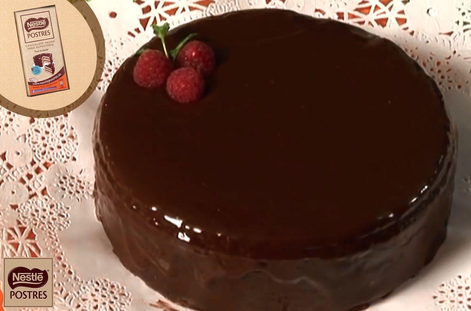 Pastel almendrado de chocolate