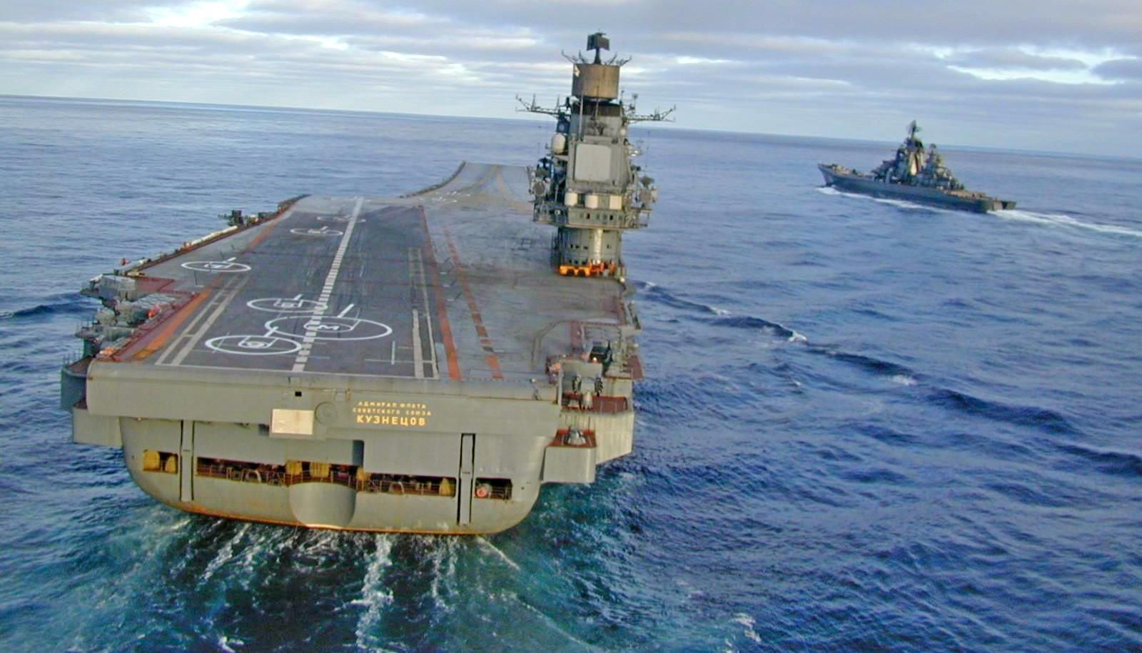 russian aircraft carrier admiral kuznetsov and kirov class battlecruiser pyotr velikiy 1600 915