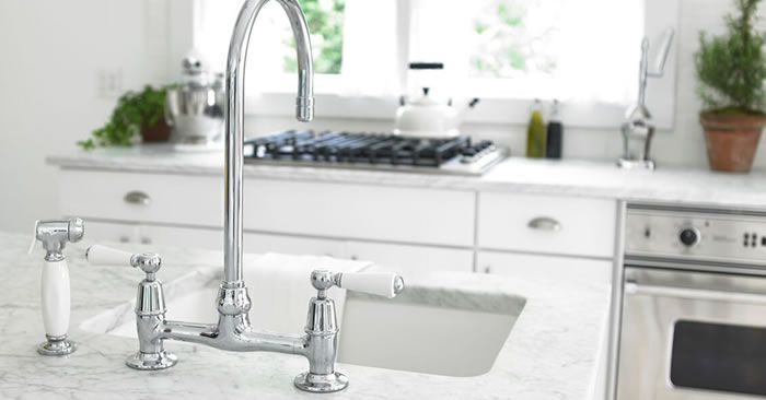 The Laundress Bleach Alternative Scented Vinegar Unclog Sink