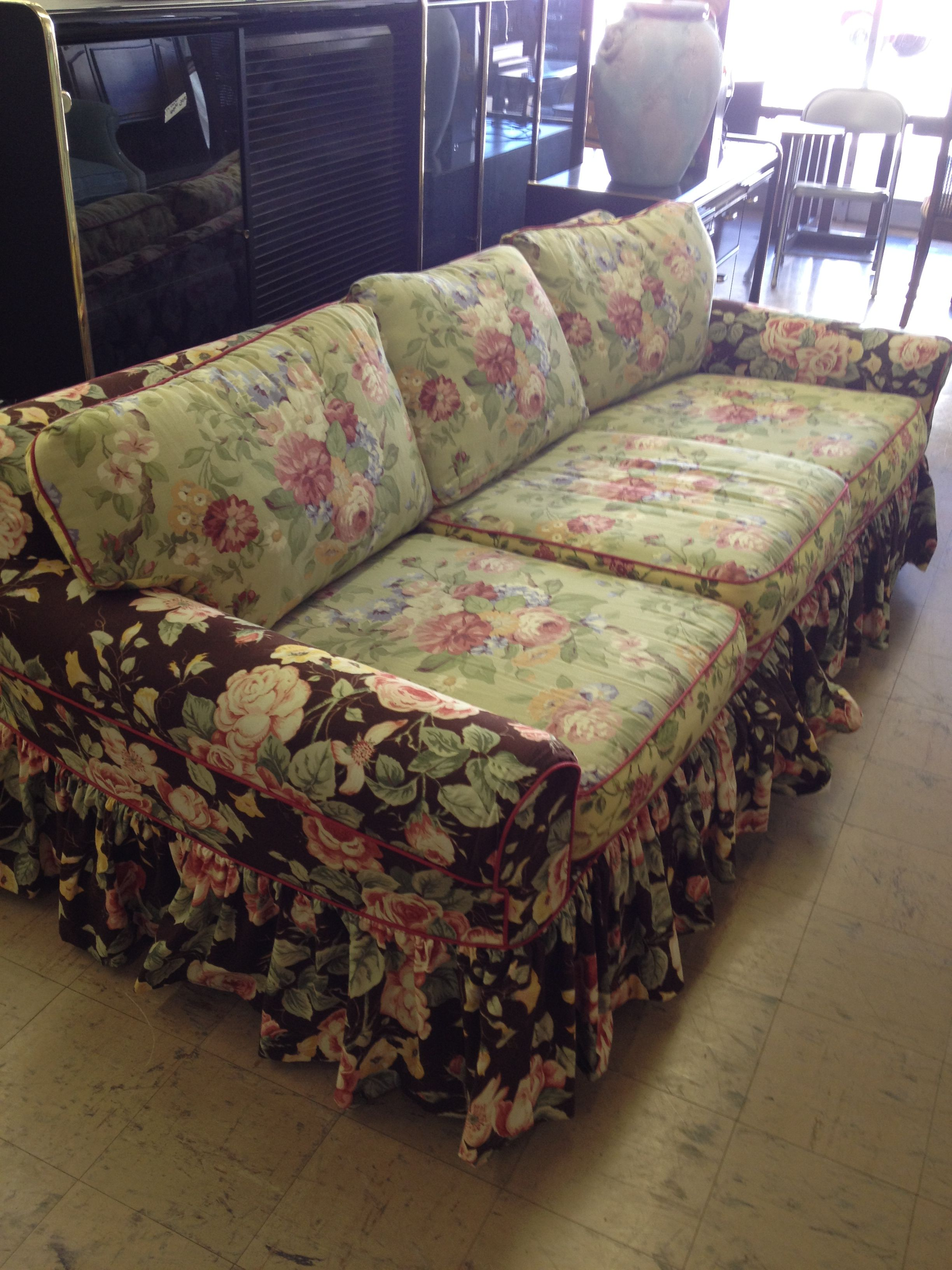 Love This Sleeper Slipcovered Sofa And For 40 If I Had