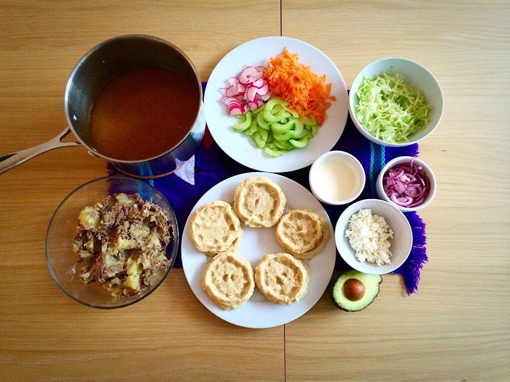 Sopes de Carne Deshebrada Estilo Sinaloa (Sinaloa Style