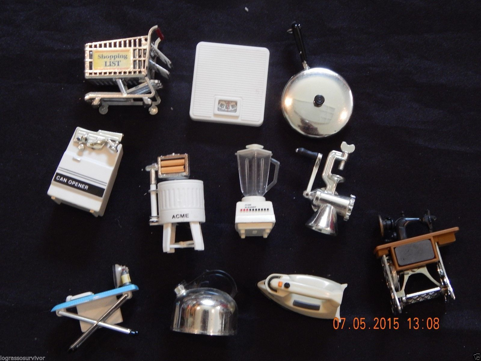 large lot of 11 acme vintage kitchen mini dollhouse magnets so