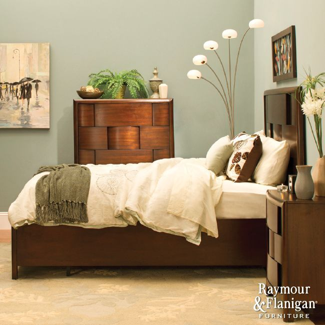 Small Bedroom Solutions | Learn how to transform your cr&ed quarters into a spacious retreat. & Small Bedroom Solutions | Learn how to transform your cramped ...
