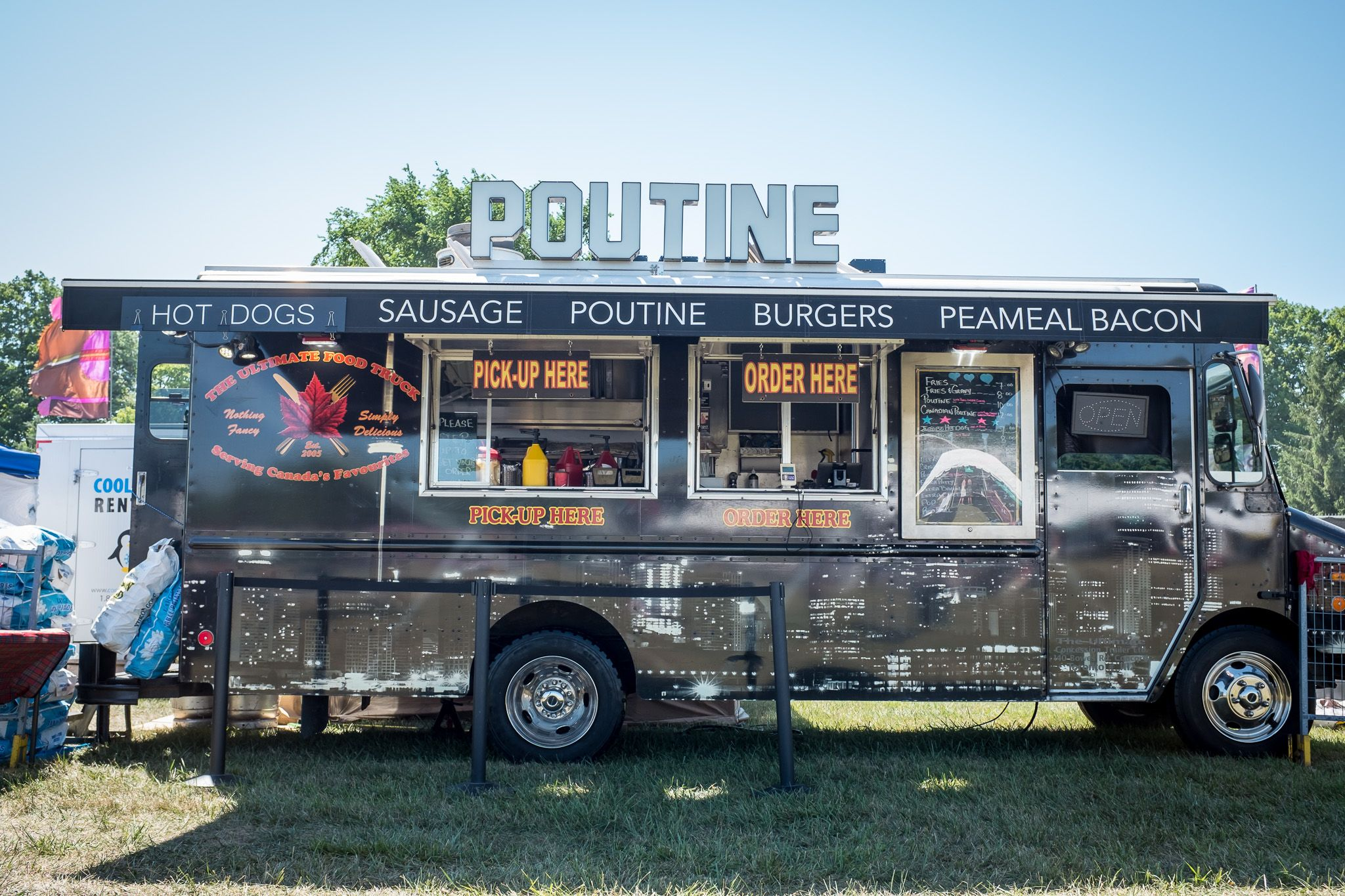 Looking to find and track Toronto food Trucks? We've got