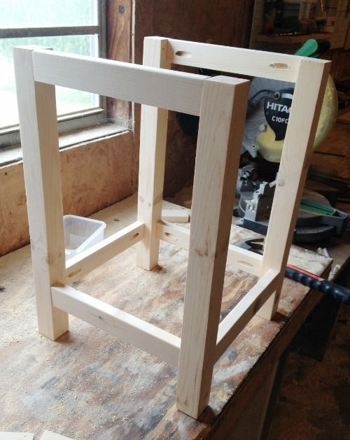 DIY Side Table Plans: This Little End Table Is A Perfect Fit For Tight  Spaces