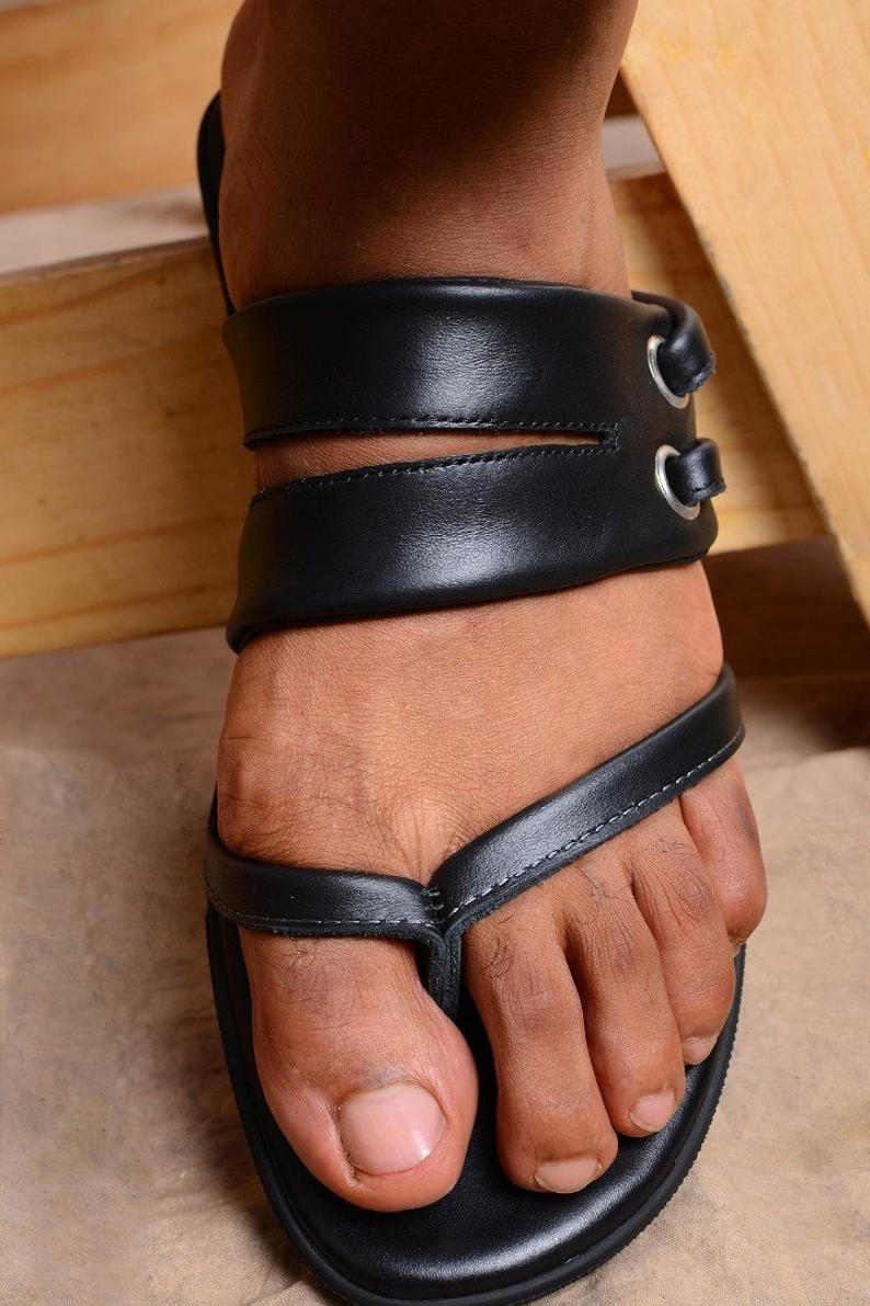 Negro cuero sandalias hombres, Thong sandalias hombres, chanclas cuero, cuero Flip Flops hombres, hombres diapositivas de cuero por el padre Paul moda