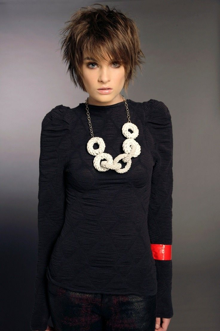 popular short haircuts for thick hair messy short hairstyles