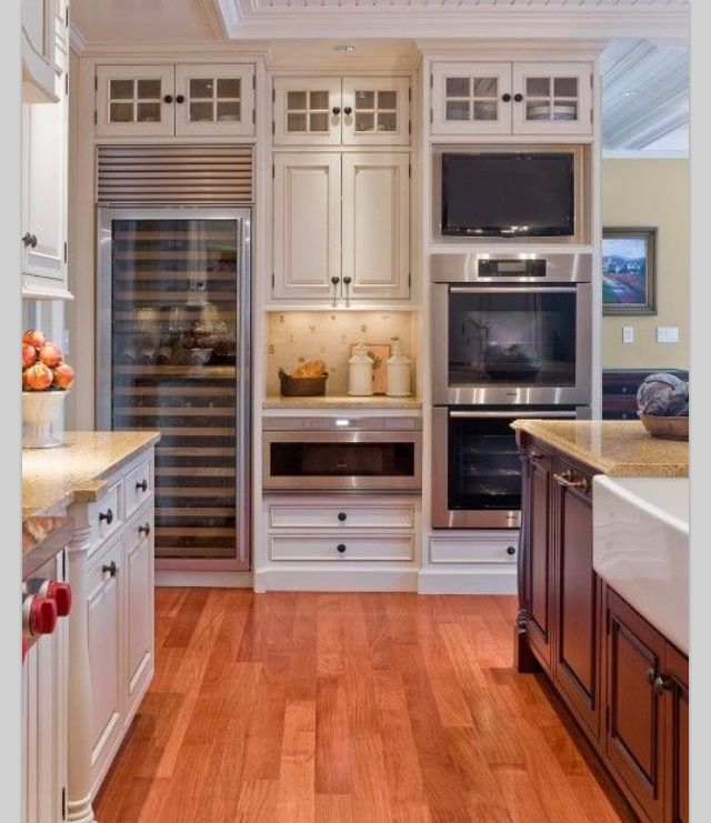 Kitchen Idea Glass Doors Tv In The Kitchen White Kitchen Interior Interior Design Kitchen Home