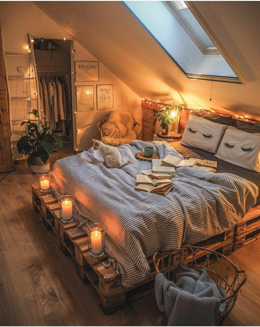 20 Cozy Bedroom Ideas For Fall Autumn Room Decor Warm Colour Palettes Earthy Tones Cosy Cozy Room Redecorate Bedroom Aesthetic Bedroom The cozy bedroom ideas