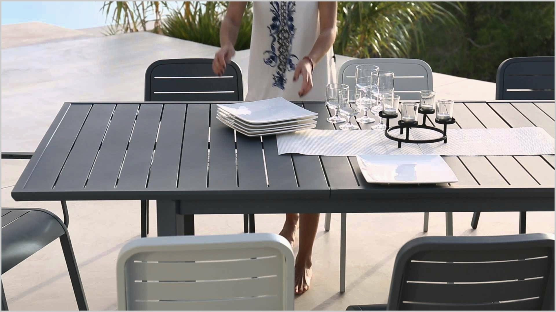 Epingle Par Pascale Harkouss Sur Future House Meubles De Patio Salon De Jardin Table Jardin Plastique