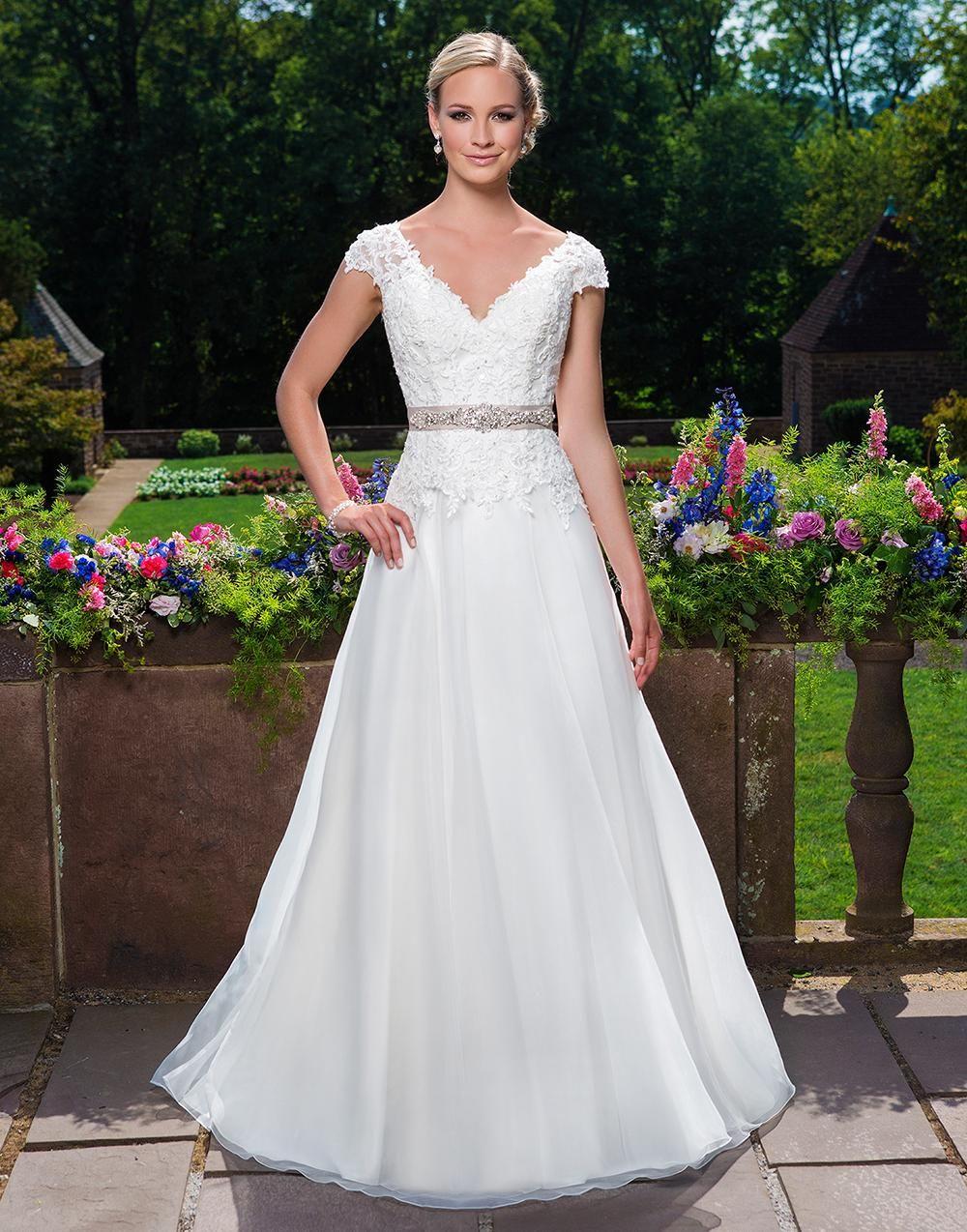 Sincerity Brautkleid 2016 Seite 7 Sincerity Brautmode Online Kaufen Brautmode Kleid Hochzeit Braut