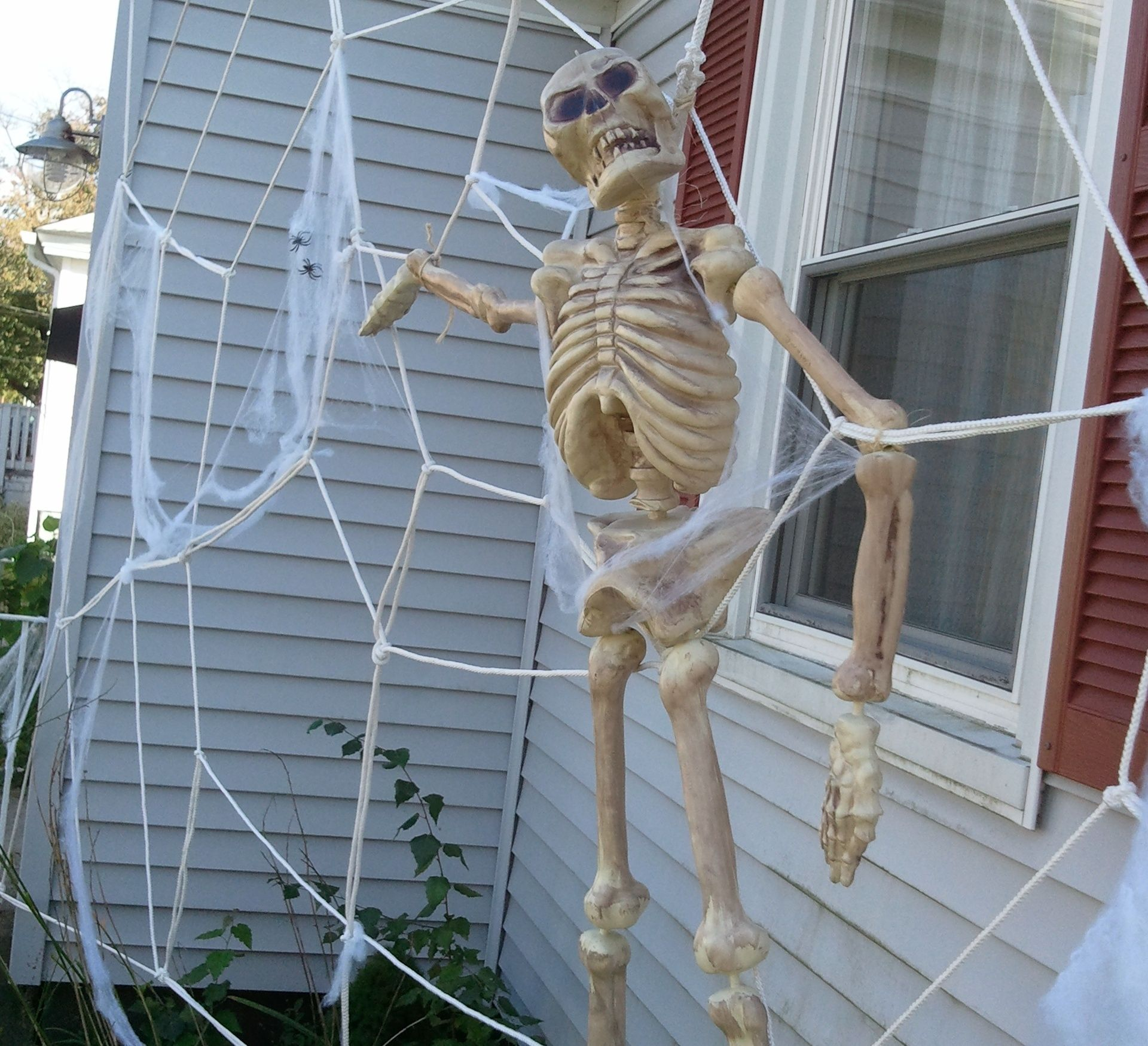 Giant Spiderweb House Decoration for Halloween! Decoration and