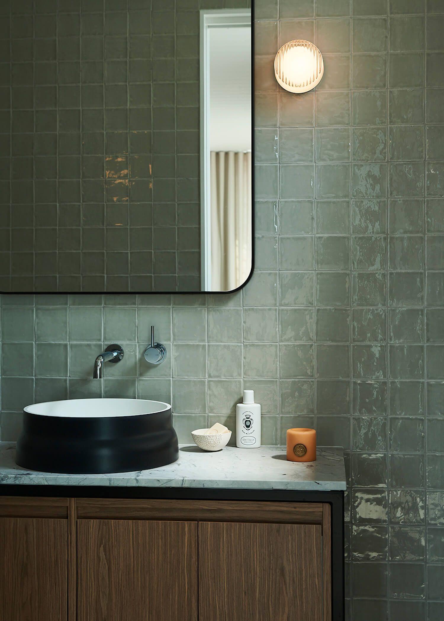 Des zelliges dans la salle de bain  Idée salle de bain, Zellige