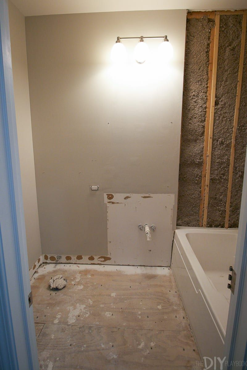 How To Demo A Bathroom In A Weekend With Images Small Bathroom